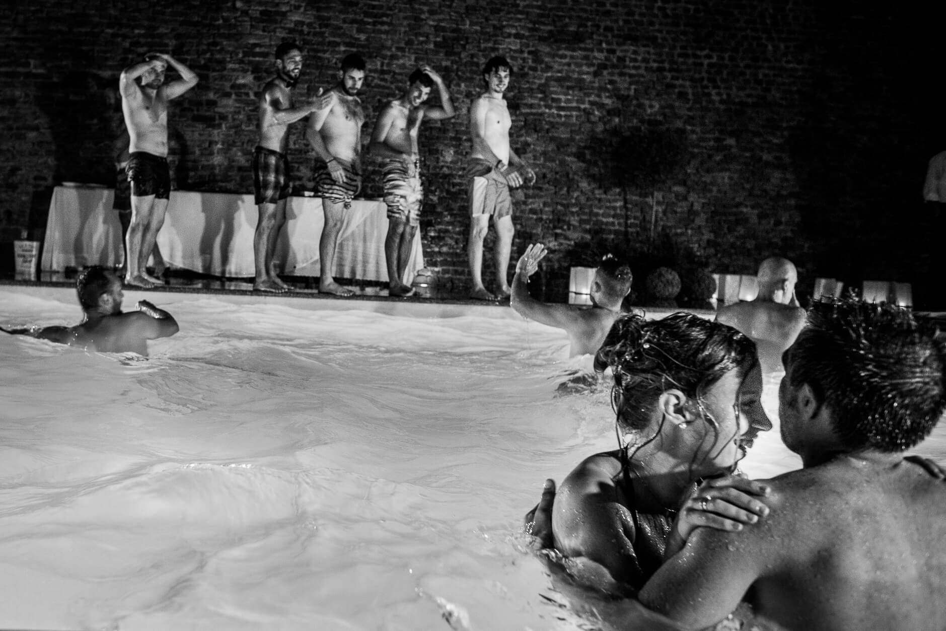 piscina matrimonio
