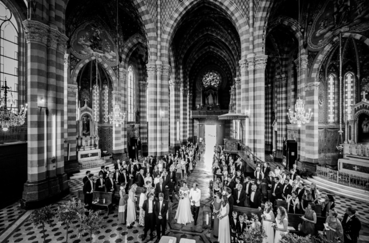 wedding photographer italy church