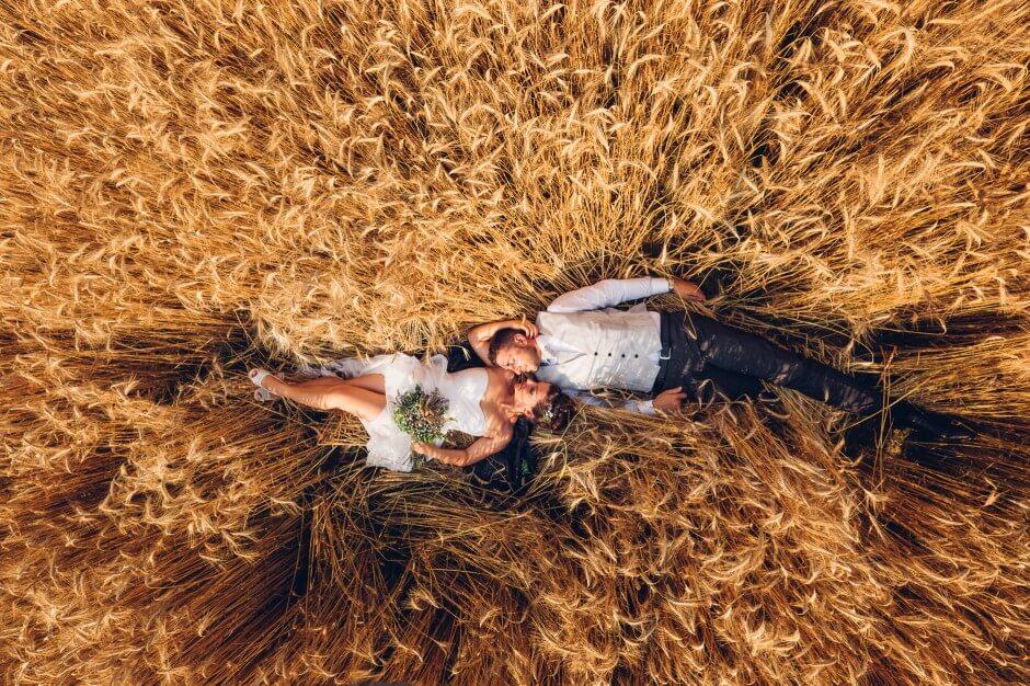Fotografo Matrimoni campi di grano