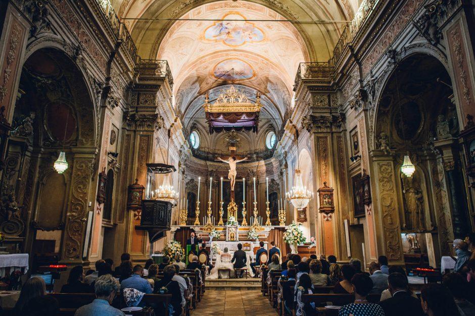 Cerimonie di matrimonio nella Chiesa di San Donato, a Val Della Torre.